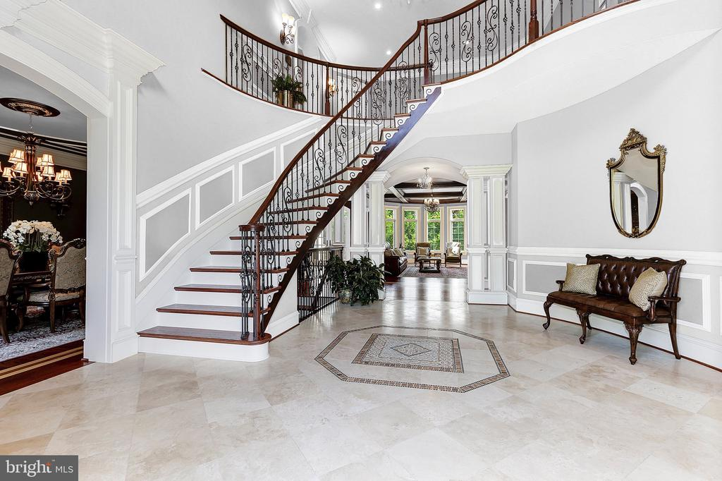 20 ft Ceilings - 8334 ALVORD ST, MCLEAN