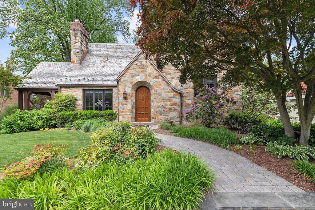 Storybook Stone Tudor - 9510 THORNHILL RD, SILVER SPRING