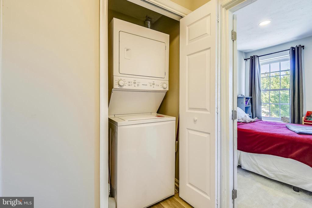 Convenient Upper Level Laundry! - 432 W SOUTH ST, FREDERICK