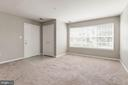 Light filled living area - 631 CONSTELLATION SQ SE #A, LEESBURG