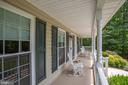 Wide front porch for entertaining and chats - 9101 SNOWY EGRET CT, SPOTSYLVANIA