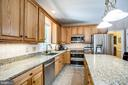 Plenty of work space in kitchen - 9101 SNOWY EGRET CT, SPOTSYLVANIA
