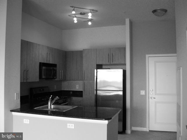- 1021 N GARFIELD ST #1002, ARLINGTON