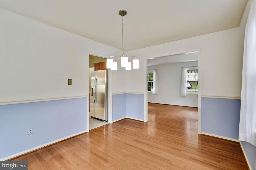 Dining room - 5038 DEQUINCEY DR, FAIRFAX