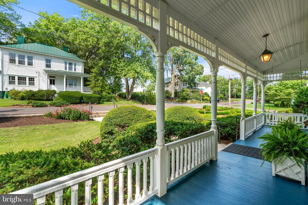 Lovely Covered Front Porch - 301 W ASHER ST, CULPEPER