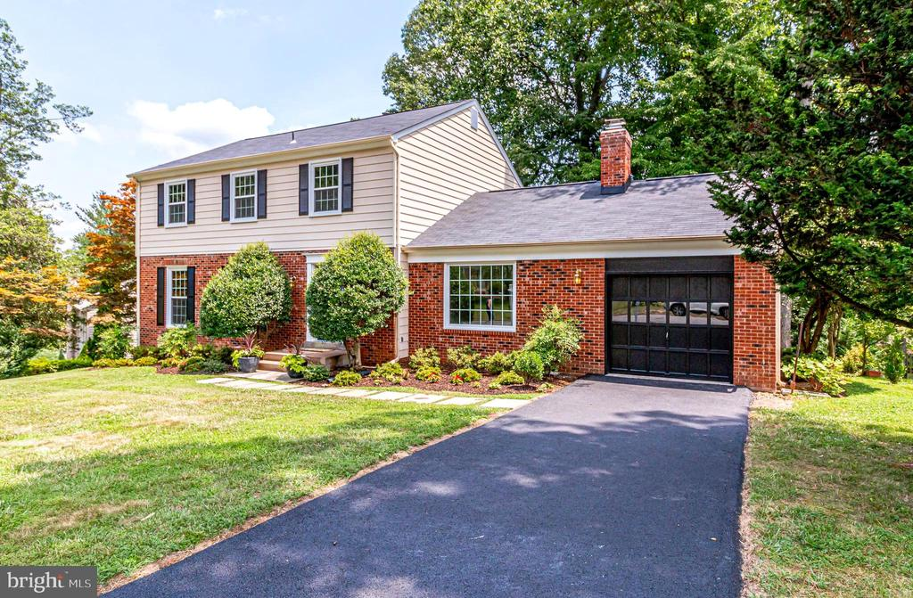 Welcome to 4915 King Solomon Drive! - 4915 KING SOLOMON DR, ANNANDALE