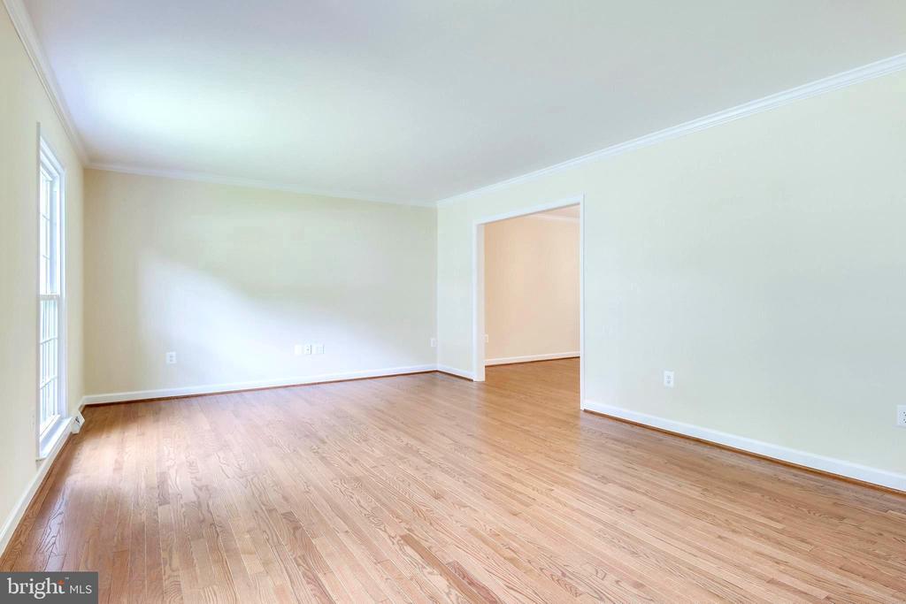 Living Room - Refinished Hardwoods - 4915 KING SOLOMON DR, ANNANDALE