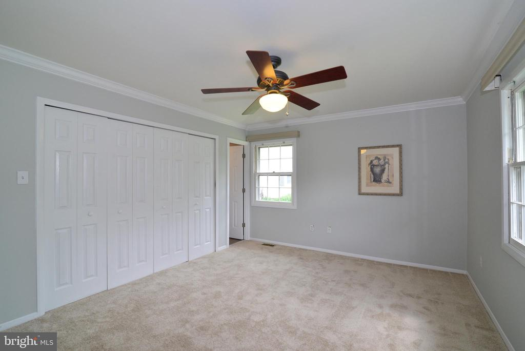 Owner's bedroom - 4224 MAYLOCK LN, FAIRFAX