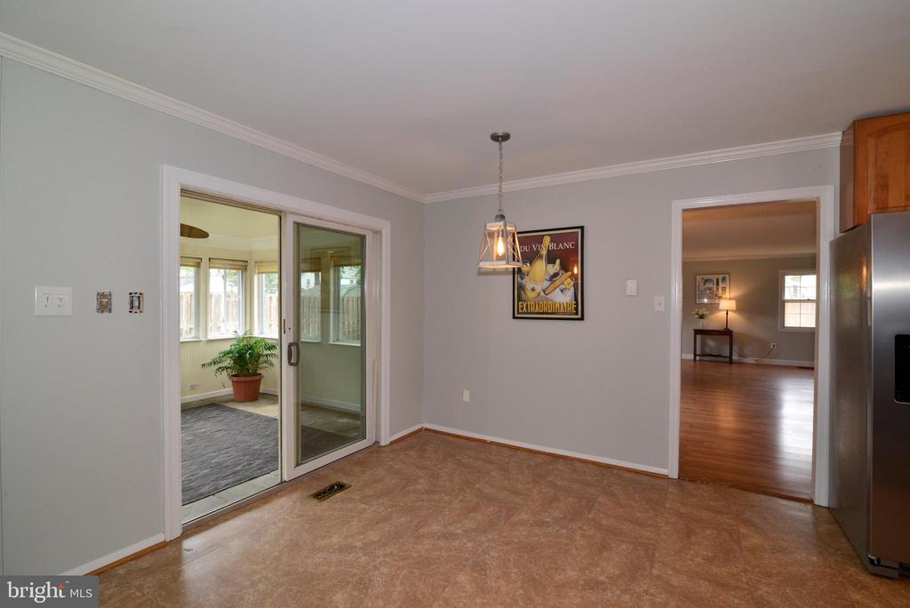 Sliding glass doors to back porch - 4224 MAYLOCK LN, FAIRFAX
