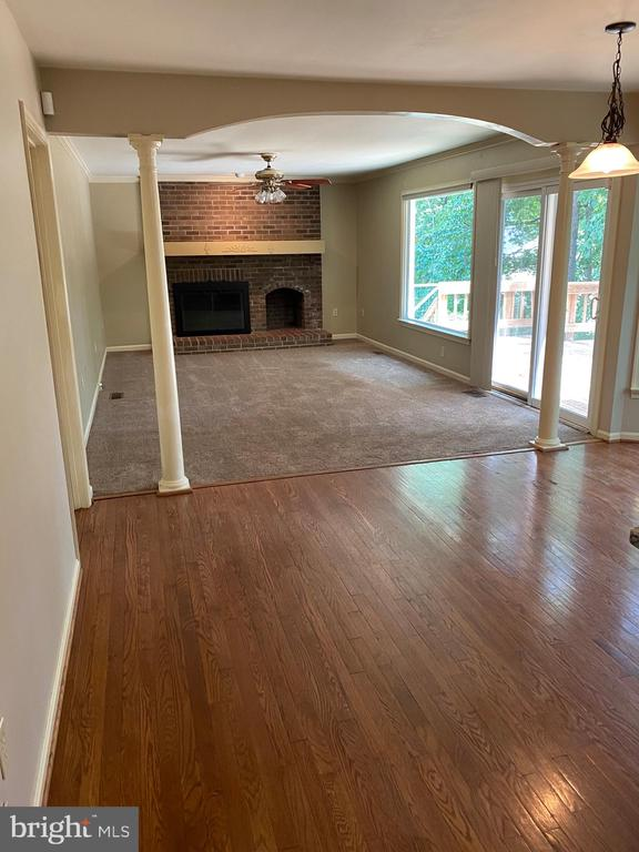 Family rm off kitchen with access to large deck! - 15138 HOLLEYSIDE DR, DUMFRIES