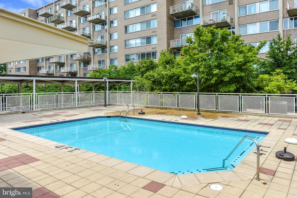 Outdoor Swimming Pool! - 350 G ST SW #N501, WASHINGTON