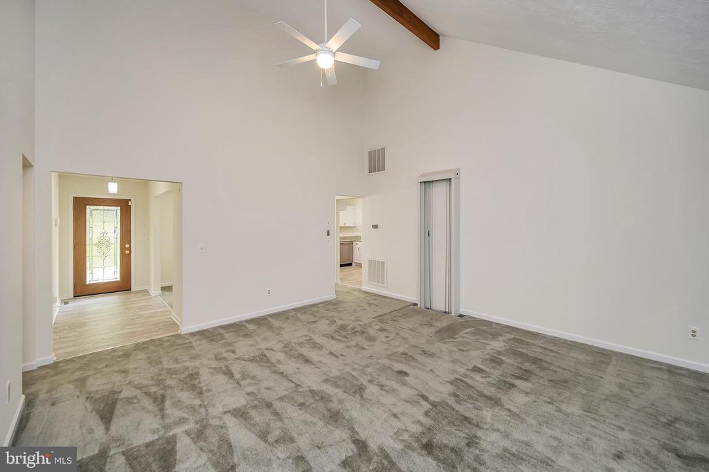 Vault Living Room - 10 RAPIDAN RD, LOCUST GROVE