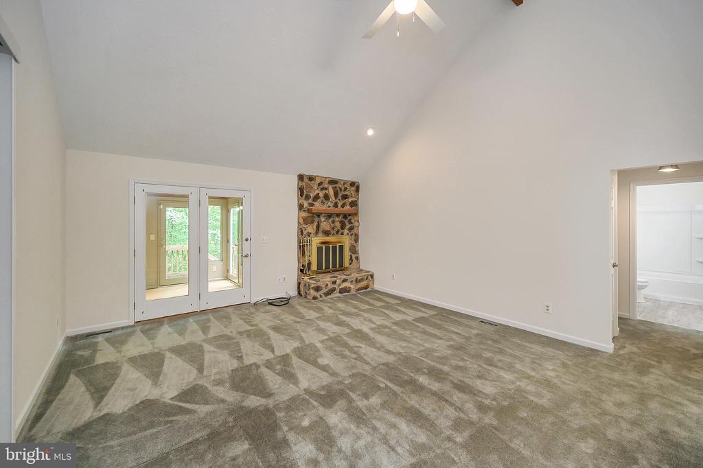 Living Room view to Sun Room - 10 RAPIDAN RD, LOCUST GROVE