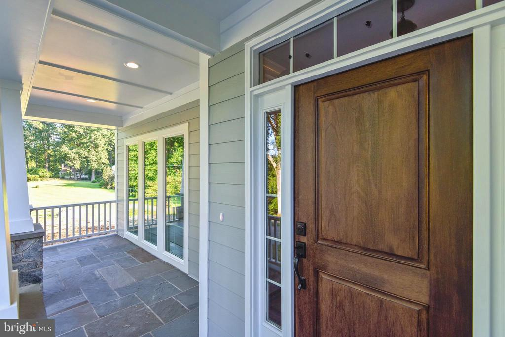 Stunning porch with view of the pond - 9524 LEEMAY ST, VIENNA