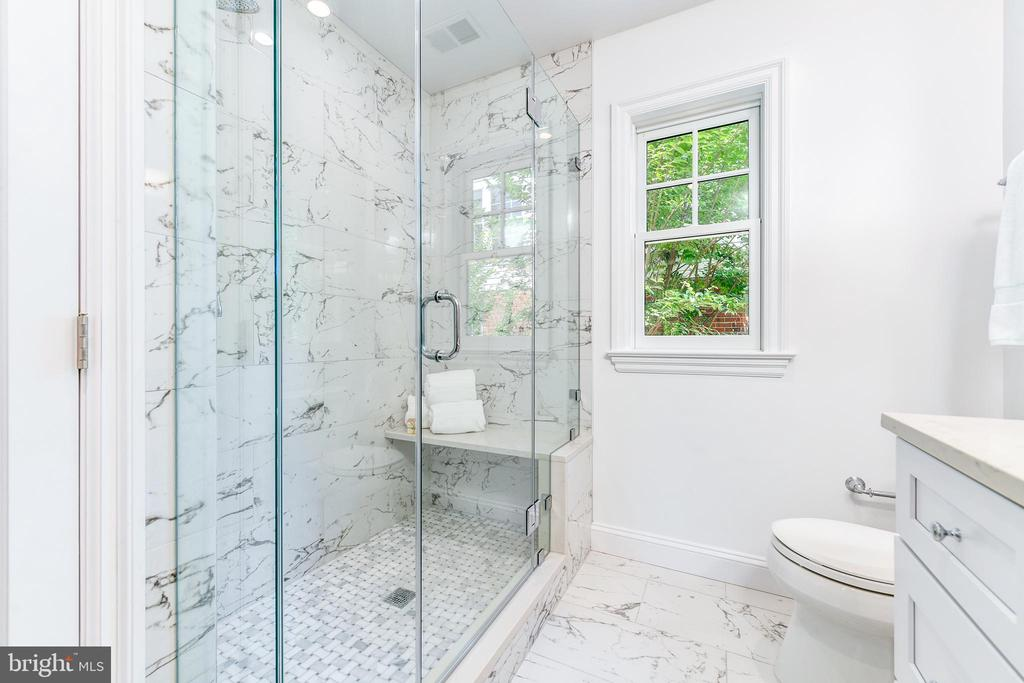 Owner's bath with large shower - 4401 GARRISON ST NW, WASHINGTON