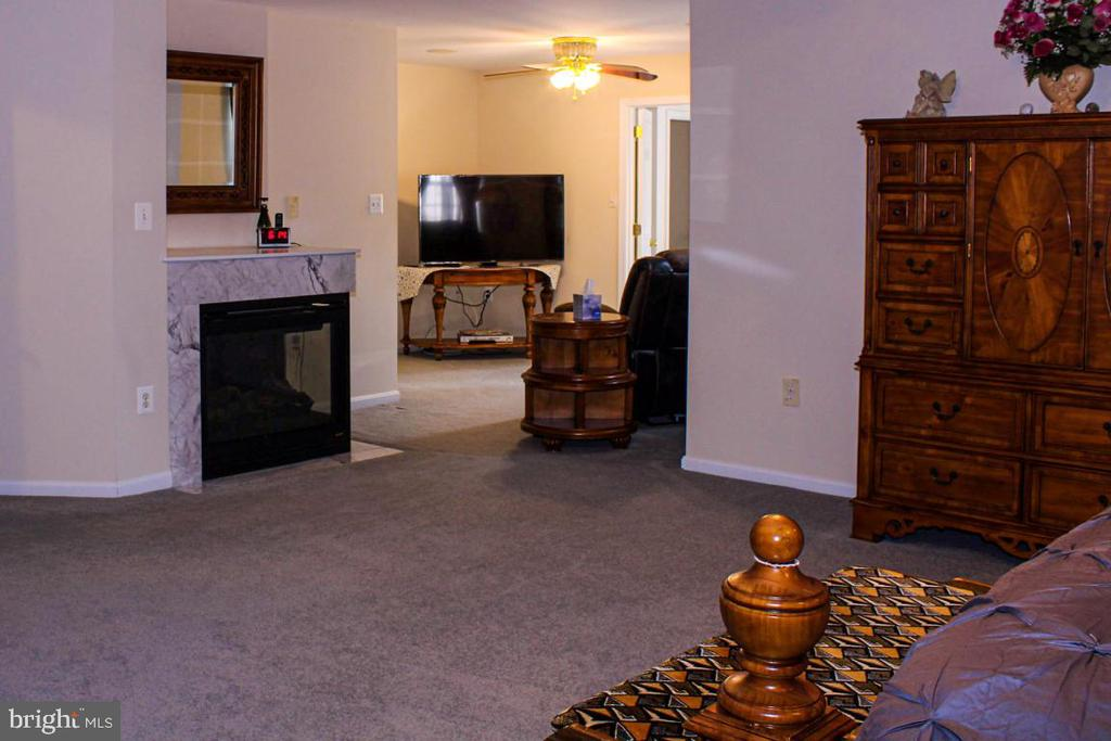 sitting room off owners suite - 3220 LACROSSE CT, DUNKIRK