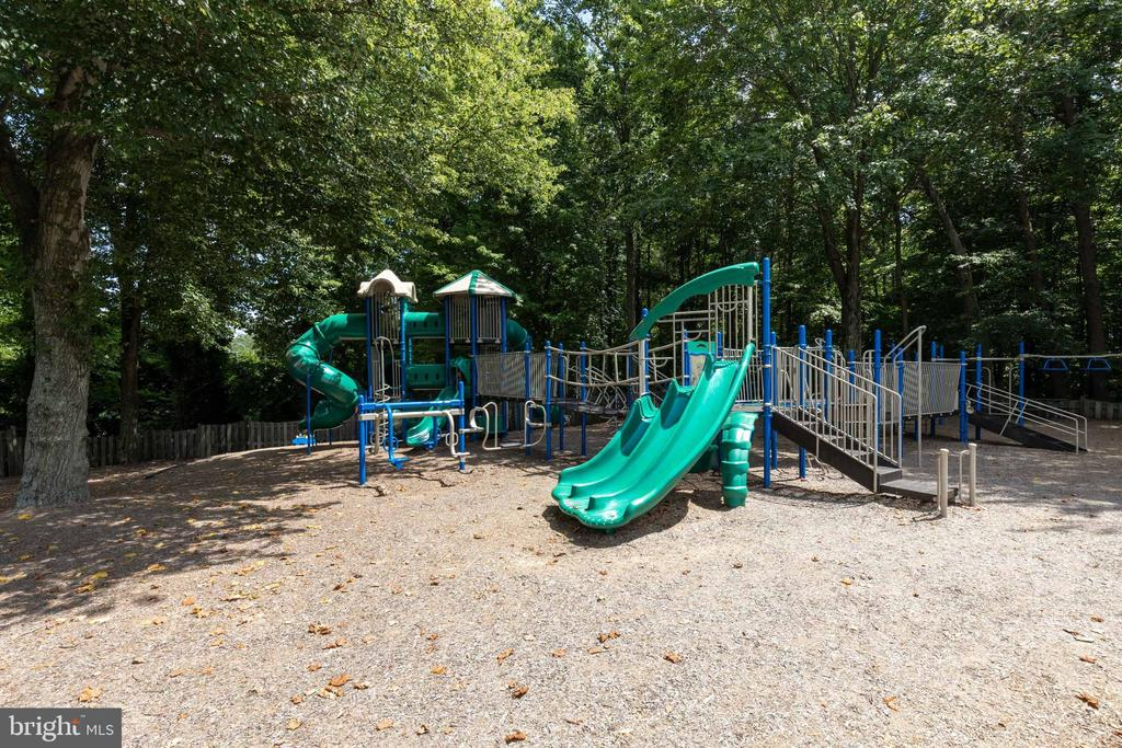 Kids Dominion tot lot! - 15138 HOLLEYSIDE DR, DUMFRIES