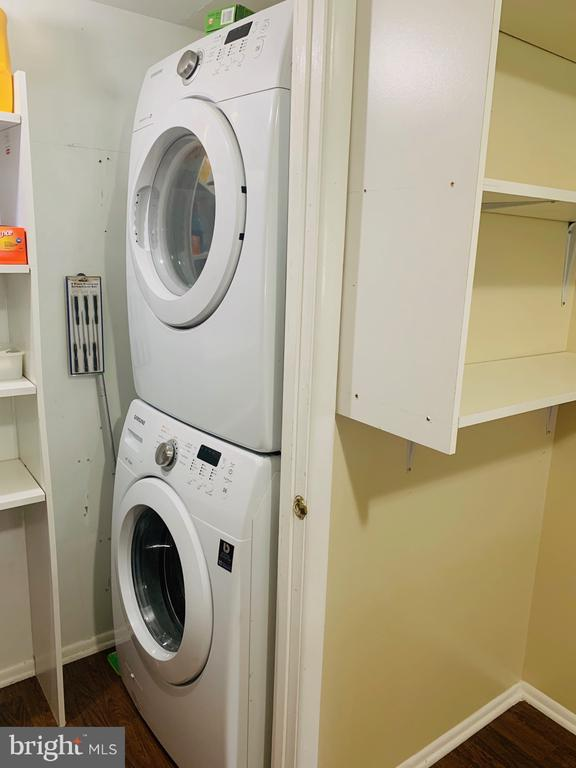 Laundry - 1056-A MYCROFT CT, STERLING