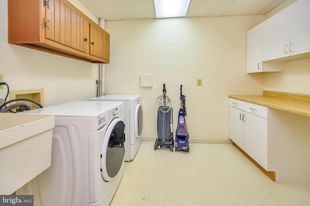 Basement Laundry Room - 109 INDIAN HILLS RD, LOCUST GROVE