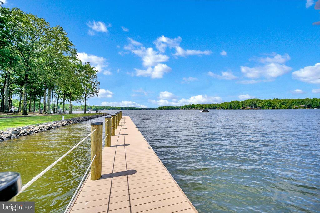 Dock at the Clubhouse on the Main Lake - 109 INDIAN HILLS RD, LOCUST GROVE
