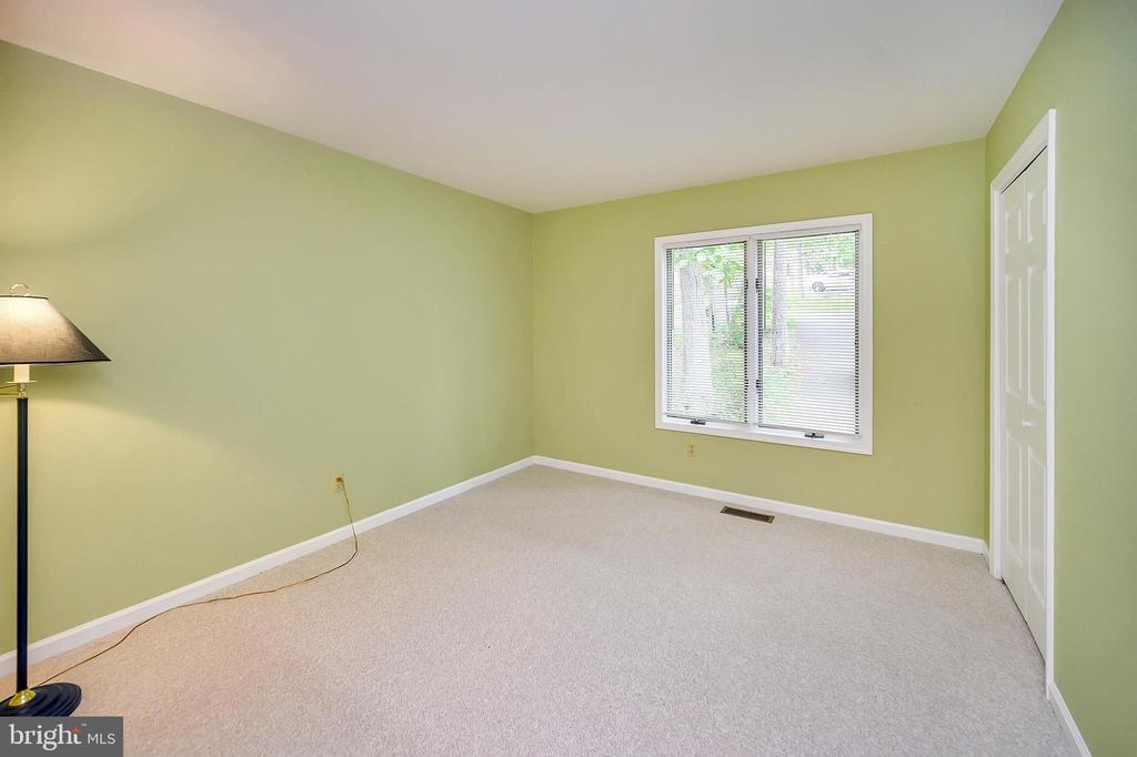 2nd Main Floor Bedroom - 109 INDIAN HILLS RD, LOCUST GROVE