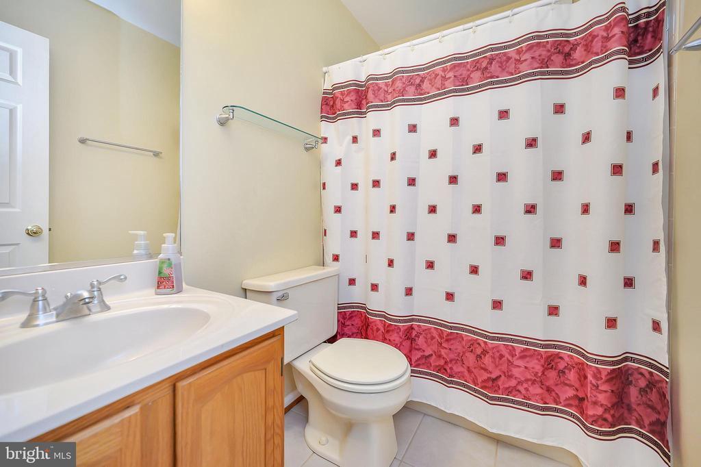 Main Floor Hall Bath - 109 INDIAN HILLS RD, LOCUST GROVE