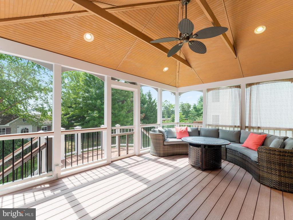 Trex decking materials - 358 SUGARLAND MEADOW DR, HERNDON