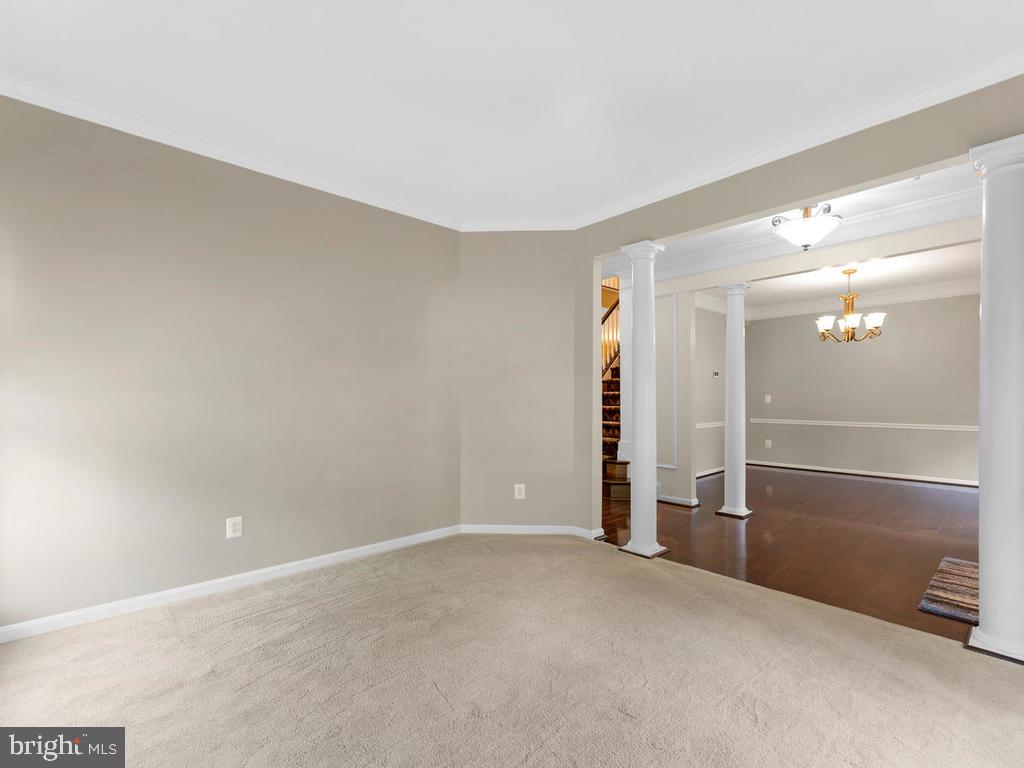 Grey  living room  across foyer to dining room - 358 SUGARLAND MEADOW DR, HERNDON