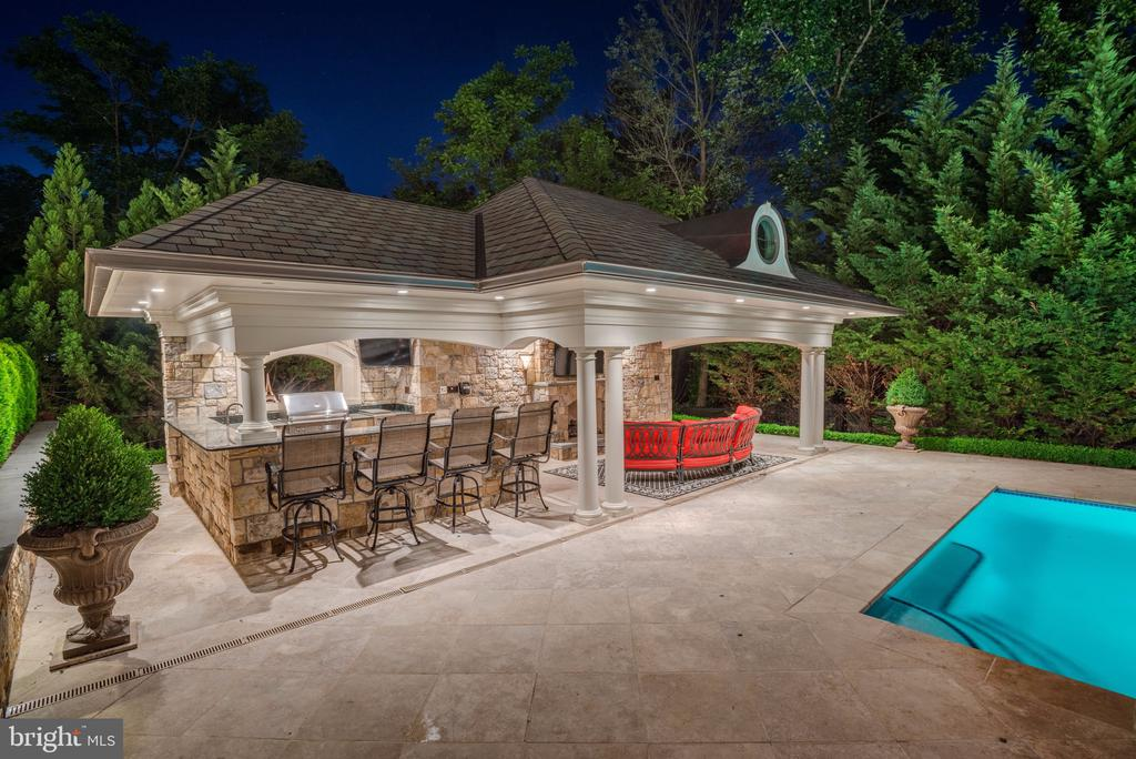 Stone Built and Fully Equipped Pool House - 8334 ALVORD ST, MCLEAN