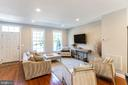 Living room - 1011 N KENSINGTON ST, ARLINGTON