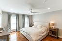 Spacious Master Bedroom - 1011 N KENSINGTON ST, ARLINGTON