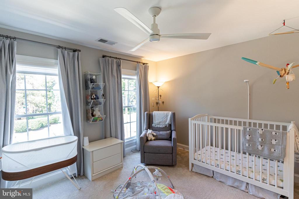 Second bedroom / nursery/ office - 1011 N KENSINGTON ST, ARLINGTON