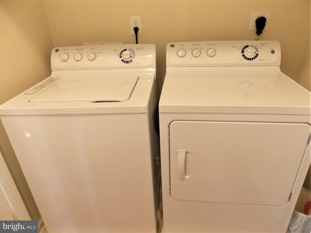 Washer Dryer on main level - 44315 STABLEFORD SQ, ASHBURN