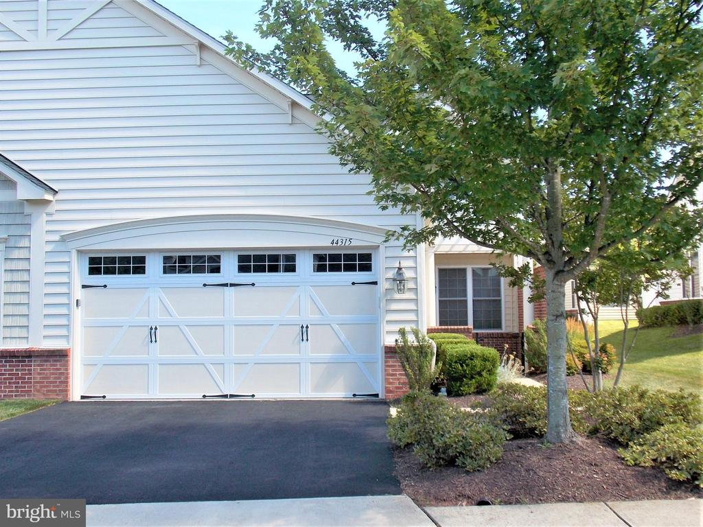 Nice Two-Car Garage in front - 44315 STABLEFORD SQ, ASHBURN