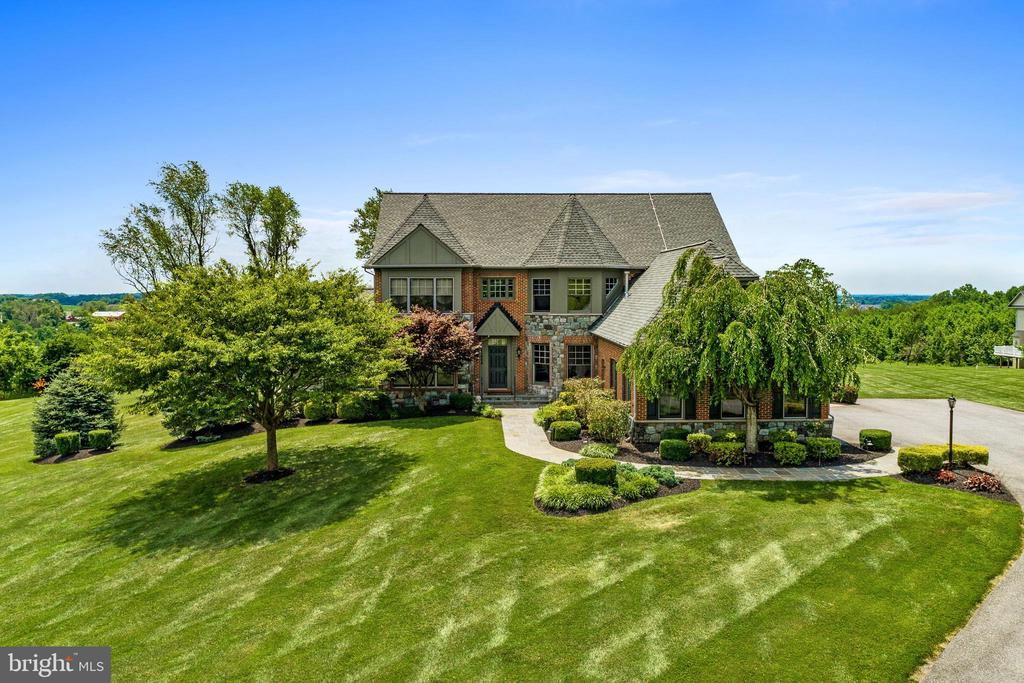 Westchester Model on Private 2 Acre Oasis - 11404 PIEDMONT CT, CLARKSBURG