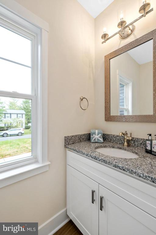 Half Bath - 133 HARRISON CIR, LOCUST GROVE
