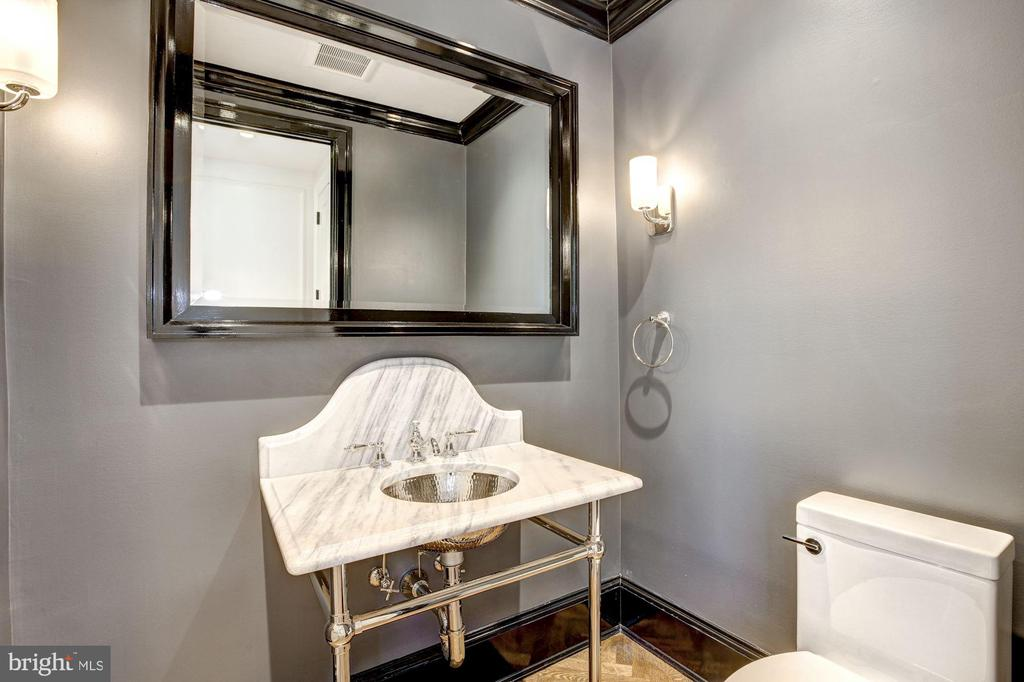 Powder room - 5205 LAWN WAY, CHEVY CHASE