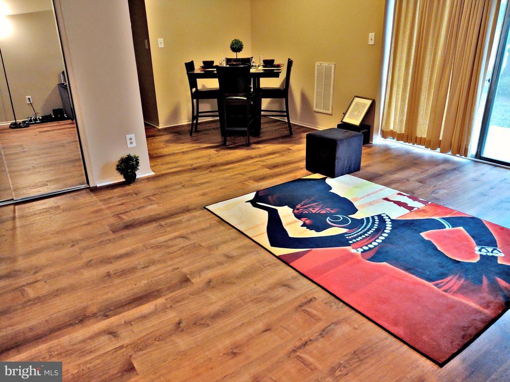 Dining area - 7615 FONTAINEBLEAU DR #2124, NEW CARROLLTON