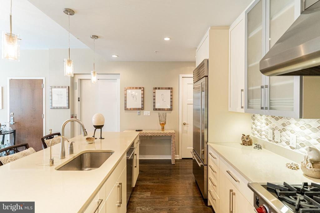 Completely state of the art appliances - 1610 N QUEEN ST #245, ARLINGTON