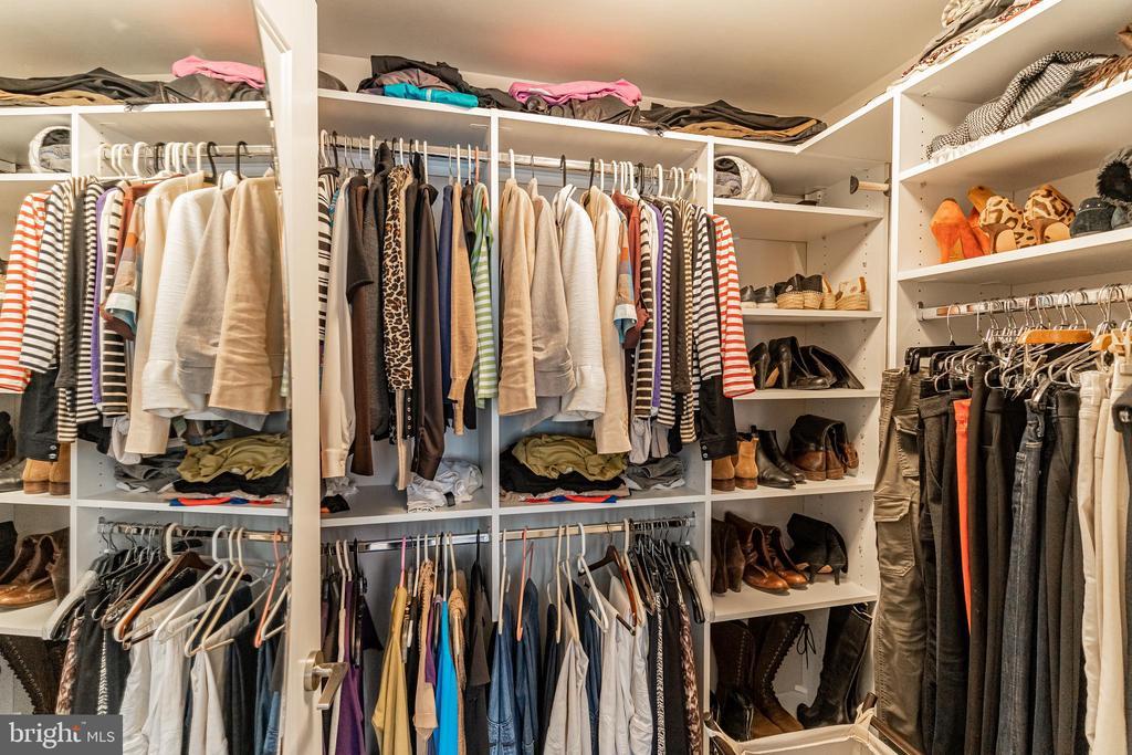 Built in closet Master Bedroom - 1610 N QUEEN ST #245, ARLINGTON