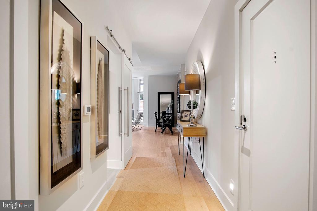 Foyer entry - 1745 N ST NW #208, WASHINGTON