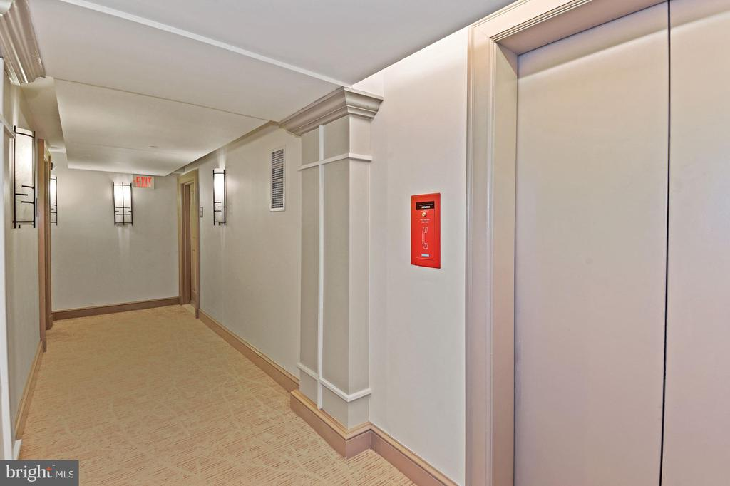 Elevator Adjacent Unit Offers Easy In and Out - 777 7TH ST NW #1102, WASHINGTON