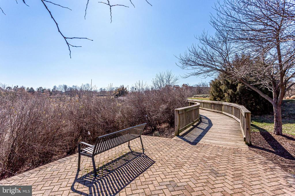 Walking trails - 43091 WYNRIDGE DR #301, BROADLANDS