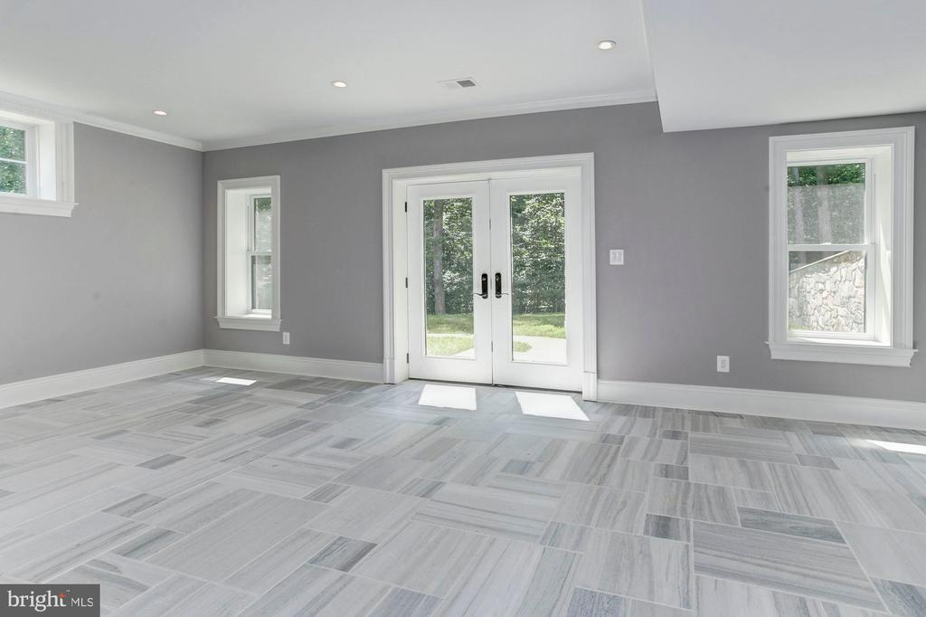 French Door Walkout from Lower Level - 432 SPRINGVALE RD, GREAT FALLS