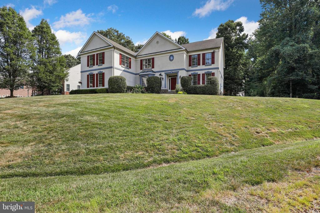 - 3821 DADE DR, ANNANDALE