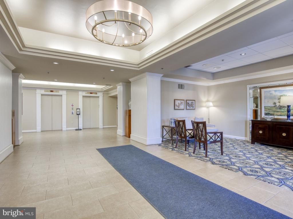 Lobby of building - 19375 CYPRESS RIDGE TER #804, LEESBURG