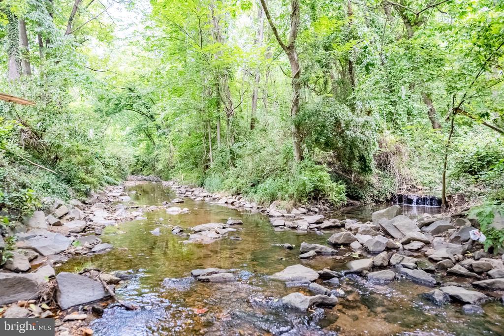 Lot includes Creek - 6662 BARRETT RD, FALLS CHURCH