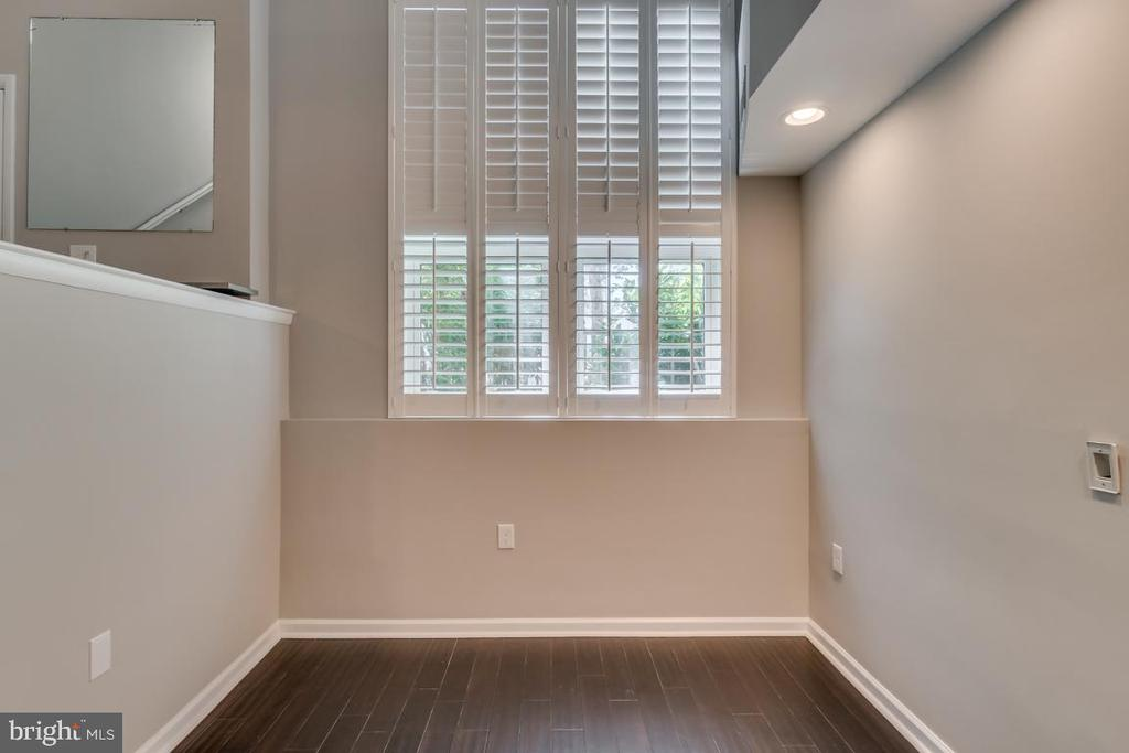 Tons of Natural Light - 1201 EAST WEST HWY #3, SILVER SPRING