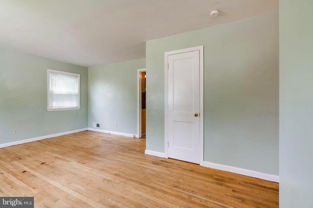 View of Dining Room to left of Closet - 4108 ADDISON RD, FAIRFAX