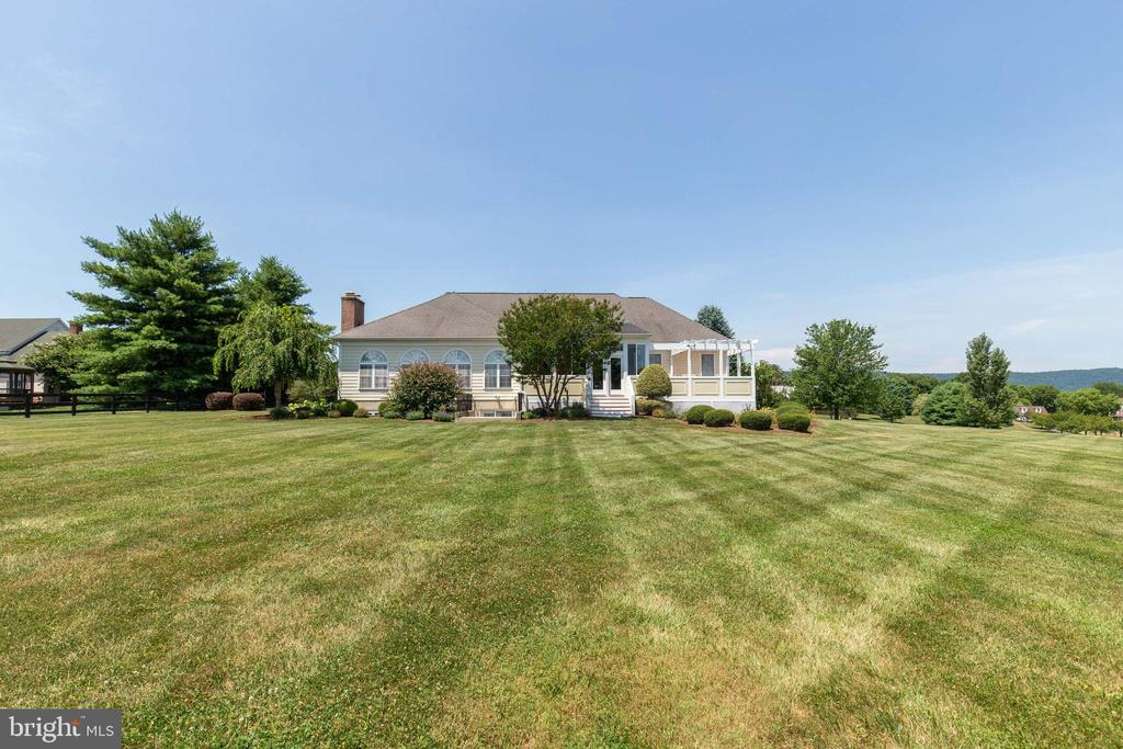 Rear of Home - 38235 MILLSTONE DR, PURCELLVILLE